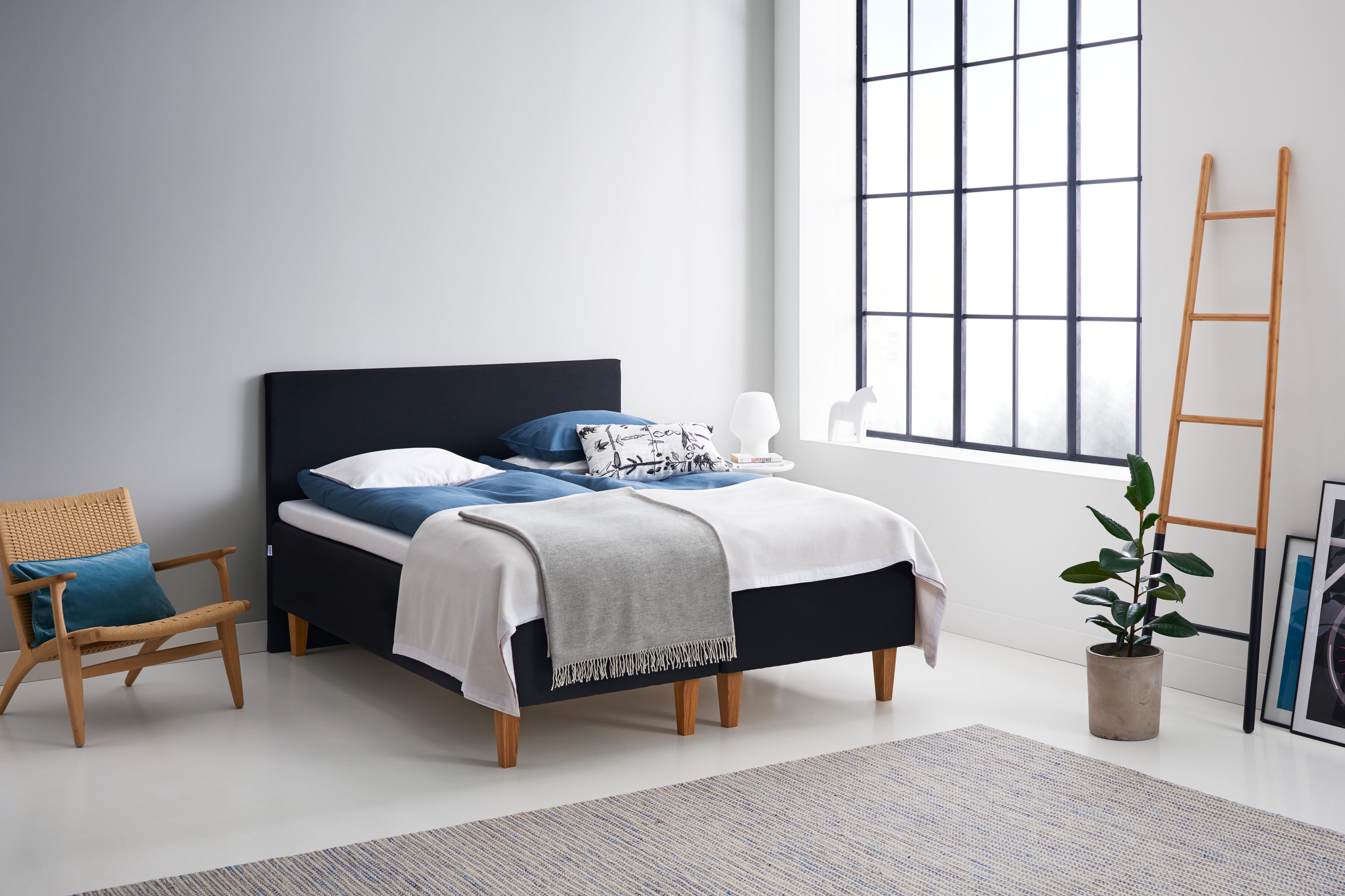Laadukas ja kotimainen TEMPUR Flexible-sänky rakentuu jo klassikoksi muodostuneesta 7cm -sijauspatjasta sekä kotimaisesta runkosängystä.