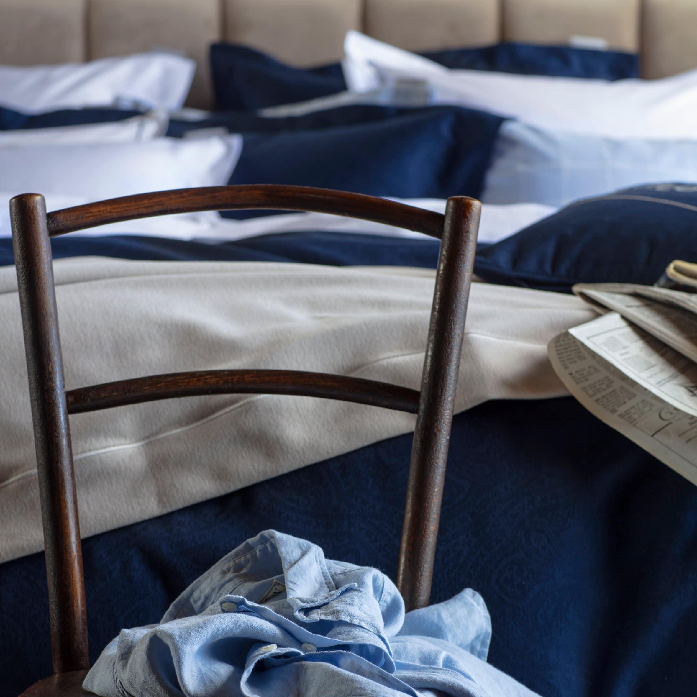 Jos olet aina halunnut kokeilla, miltä tuntuu nukkua pilven päällä, tämä on tilaisuutesi: puuvillaflanellinen tyynyliina, jossa on klassinen ruutukuvio.