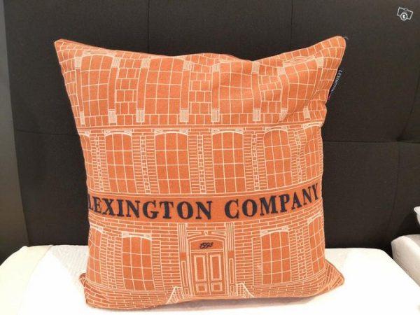 Lexington Rust/creme 50x50